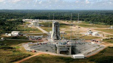 Photo of تفاصيل إطلاق أول صاروخ من مطار فضائي 2020
