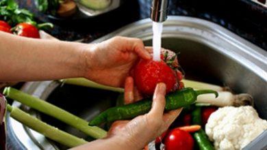 Photo of غسيل الخضراوات والفواكه بهذه الطريقة للتخلص من الأمراض