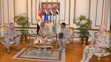 Photo of وزير الدفاع ورئيس الأركان يلتقيان قائد القيادة المركزية الأمريكية