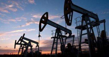 Photo of أسعار النفط العالمية تعمق خسائرها.. والخام الأمريكي دون الـ30 دولارا
