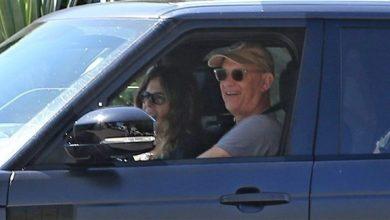 Photo of توم هانكس وزوجته يعودان إلى الولايات المتحدة بعد الشفاء من كورونا