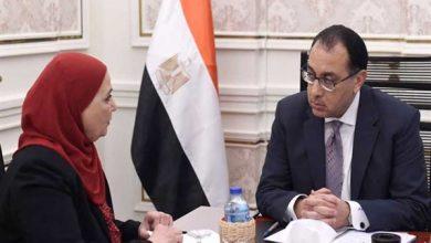 Photo of رئيس الوزراء يتابع مع وزيرة التضامن استعدادات الوزارة للتعامل مع المضارين من الطقس السيىء