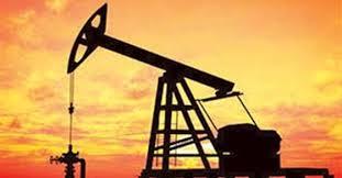 Photo of النفط يهبط لأدنى مستوى في 17 عامًا بفعل مخاوف من ركود عالمي