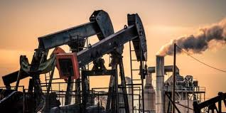 Photo of أسعار النفط تصعد بدعم ارتفاع أقل من المتوقع للمخزون الأمريكي