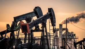 Photo of أسعار النفط تهبط متأثرة بالتوتر التجاري بين أمريكا والصين
