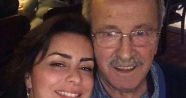 Photo of نور اللبنانية مع والدها بمناسبة عيد الأب: شكراً على الإيمان بي ودعمك الدائم