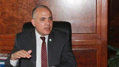 Photo of وزير الري يواصل متابعة أعماله من مكتبه بمقر الوزارة