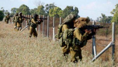 Photo of قوات الاحتلال الإسرائيلي تنصب حاجزا على مدخل سلفيت وتهدم مبنيين
