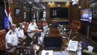 Photo of القوات البحرية توقع عقد إنشاء محطة تداول حاويات بميناء أبو قير البحري