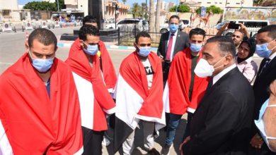 Photo of محافظ مطروح يستقبل المصريين العائدين من ليبيا