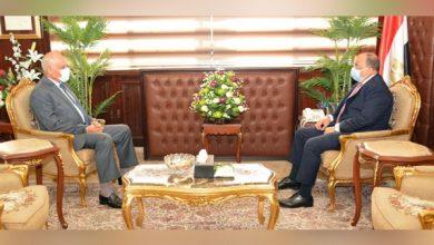 Photo of وزير التنمية المحلية يبحث مع محافظ الجيزة ملف التصالح على مخالفات البناء