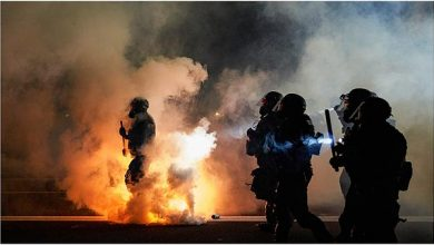 Photo of أمريكا : إصابة شرطيَّين بالرصاص خلال احتجاجات في ولاية كنتاكي وتوقيف مشتبه به