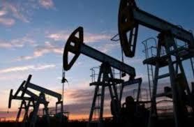 Photo of النفط يتراجع متجها صوب تسجيل أول انخفاض شهري في 6 أشهر