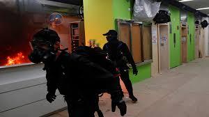 Photo of مصرع شخص وإصابة آخر في انفجار بمستشفى عزل غرب أوكرانيا
