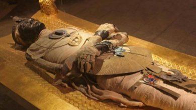 "Photo of الصحف السويسرية تبرز حدث ""نقل المومياوات"" إلى متحف الحضارة المصرية"